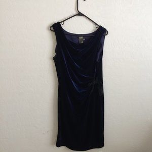 Taylor Blue Sleeveless Velvet Dress 12